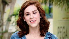 Veja de onde é o vestido jeans usado por Sophia Abrahão no 'Vídeo Show'
