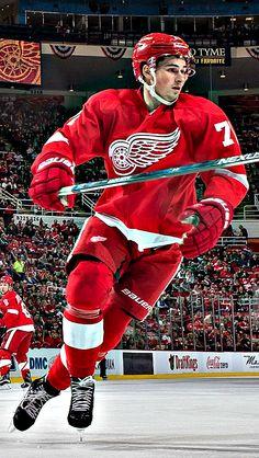 elzaechelon  IPhone 5 Backgrounds — Detroit... - Tom Wilson Hockey Mom 322850ceb