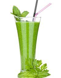 Receita de suco detox de alfafa e laranja e melão para auxiliar a perda de peso e proporcionar disposição. Alfafa é rica em fibras, proporciona saciedade