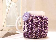 Twisted Heat Mug Cozy with Big Button Crochet by SpringCasual #crochetpattern #cozypattern #mugcozy