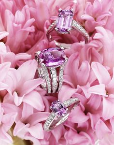 What's not to love—pink flowers and pink gems <3