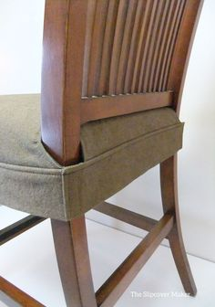 Seat cover for dining chair. Clean, simple wrap around design that fits snugly a… Seat cover for dining chair. Clean, simple wrap around design that fits snugly around legs with velcro. This would be simple to make by altering this DIY: www. Seat Covers For Chairs, Dining Chair Covers, Dining Chair Slipcovers, Dining Room Chairs, Dining Furniture, Diy Furniture, Furniture Stores, Chair Cover Diy, Office Chairs