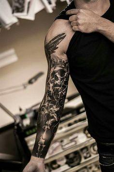 Tattoos for Men and Women Tatuagens para homens e mulheres # Tatuagem Mens Body Tattoos, Skull Sleeve Tattoos, Best Sleeve Tattoos, Tattoo Sleeve Designs, Tattoo Sleeves, Arm Sleeves, Mens Full Sleeve Tattoo, Full Arm Tattoos, Forearm Tattoos