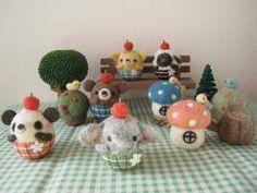 Perfectly round-chan series Wool Dolls, Felt Dolls, Wet Felting, Needle Felting, Felt Crafts, Diy And Crafts, Sewing Toys, Felt Art, Felt Animals