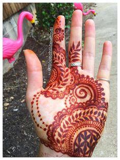 mehndi design for hand by @moonchildmehndi #mehndi #mehndidesign #henna #hennadesign #hennatattoo #hennaart #mehndiart #mehendidesign
