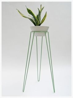 Wirely large apple green plant stand