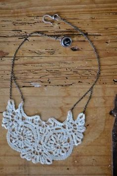 DIY Make a Vintage Doily Necklace