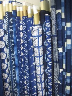 So many Indigo prints and textiles Bleu Indigo, Mood Indigo, Indigo Dye, Shibori, Love Blue, Blue And White, Japanese Textiles, Turquoise, My Favorite Color
