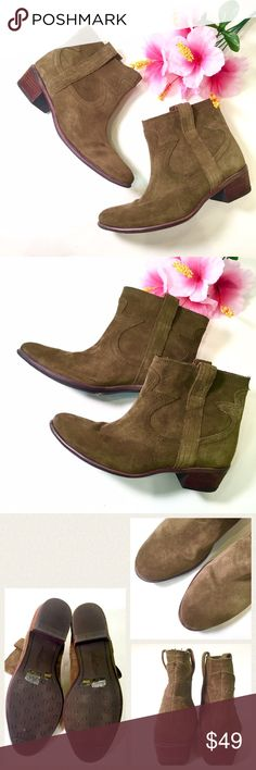 "LUCKY BRAND olive green suede ankle boots Olive green suede ankle cowboy boots by Lucky Brand. Pre-owned and in excellent condition. Cushiony and clean interiors. Size 9.5M with 1.75"" heels. 🚫trade 🛍discount w bundle w another listing❣ Lucky Brand Shoes Ankle Boots & Booties"