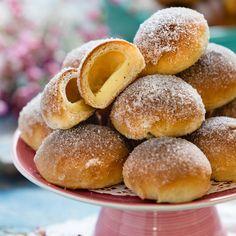 Vaniljbullar Fika, Beignets, Hamburger, Goodies, Rolls, Sweets, Dessert, Buns, Breads