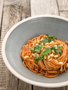 Spaghetti with AJVAR vegan, gluten-free Eat Lunch, Food Test, Spaghetti, Health Fitness, Gluten Free, Yummy Food, Pasta, Vegan, Cooking