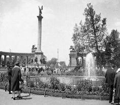 Millenniumi emlékmű a későbbi Hősök terén 1920 tajt lehet Old Pictures, Old Photos, Budapest Hungary, Historical Photos, The Past, Louvre, Europe, Street, Building