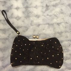 🎀Black velvet bow clutch with studs👛 Black velvet bow clutch with studs. Never used. Street Level Bags