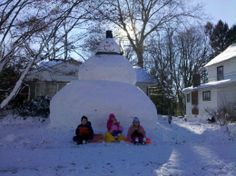 One huge snowman. Let It Snow, Snowman, Cool Stuff, Outdoor, Hands, Sayings, Quotes, Outdoors, Quotations