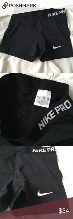 Nike Pro Black & White Spandex Athletic Shorts Nike Pro Black & White Spandex Workout Athletic Shorts size small ------ 🚭 All items are from a non-smoking home. 👆🏻Item is as described, feel free to ask questions. 📦 I am a fast shipper with excellent ratings. 👗I love bundles & bundle discounts. Feel free to make an offer! 😍 Like this item? Check out the rest of my closet! 💖 Thanks for looking! Nike Shorts