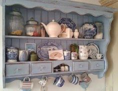 11755860_715618508549909_1929794750840107740_n.jpg (386×300) 木工 Diy, Cottage Style Decor, Cottage Chic, Charming House, Plate Racks, Cottage Kitchens, Home Kitchens, Cottage Living, Vintage Kitchen