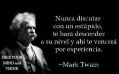 Some people say. Words Quotes, Me Quotes, Sayings, Humor Quotes, Mark Twain Frases, Quotes En Espanol, Little Bit, Mindfulness Quotes, Spanish Quotes