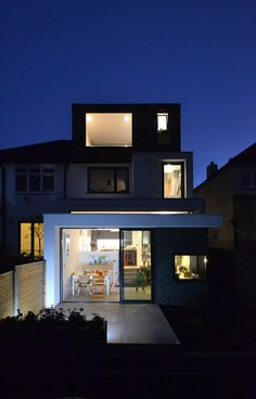 Innovative extension of large South London home - IDSystems Loft Conversion Design, Dormer Loft Conversion, Loft Conversions, 1930s Semi Detached House, Rear Extension, Extension Ideas, House Extensions, Kitchen Extensions, Brighton Houses