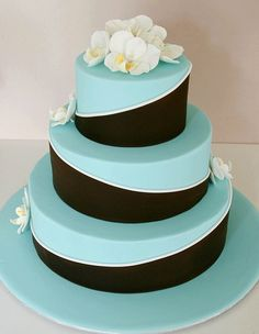 Wedding cake IS THE BEST LOOKS YUM
