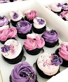 Super Ideas for cupcakes frosting ideas cute Fancy Cupcakes, Pretty Cupcakes, Purple Cupcakes, Rosette Cupcakes, Cupcake Cake Designs, Cupcake Frosting, Cupcake Piping, Cupcakes Design, Gateaux Cake