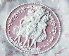 Donatella Semalo: Le tre grazie - cake topper... :)