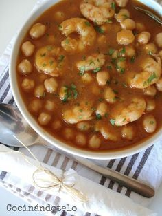 Cocinándotelo: GUISO DE GARBANZOS CON LANGOSTINOS Mexican Food Recipes, Soup Recipes, Cooking Recipes, Ethnic Recipes, Healthy Snacks, Healthy Eating, Healthy Recipes, Good Food, Yummy Food
