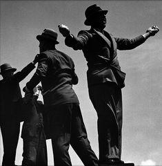 1-Tic_Tac_men_at_Ascot_races__1935.jpg