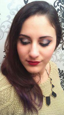 Glam and Sparkly Holiday Makeup Tutorial - Christmas' Eve / New Year's Eve Makeup #holidayglam #makeup #makeuplook #glammakeup #makeuptutorial #youtubeguru #beautyguru #makeupguru #youtubemakeuptutorial #cateye #christmasmakeup #newyearsevemakeup #beauty #makeupinspiration #redlip #redlips #perfectredlips #elegant #smokeyeye #sparkly #sparklymakeup #holidayglammakeup #eyemakeup #trucco #truccoocchi #capodanno #natale #truccofeste #holiday #holydaymakeup #glamourousmakeup #serenaloserlikeme