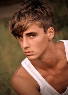 Trendy haircut masculino indie Ideas – Pin to pin Teenage Boy Hairstyles, Top Hairstyles For Men, Boy Haircuts Long, Haircuts For Men, Men's Hairstyles, Men's Haircuts, Latest Hairstyles, Office Hairstyles, Stylish Hairstyles
