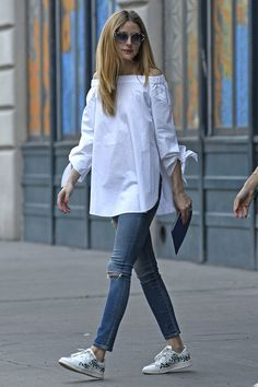 Off the shoulder Zara Stunning Spring Outfit Ideas For The Year faya 🙌💙👍Olivia Palermo lo sabe!Olivia Palermo wearing an off the shoulder white shirt pairing it up with a denim skinny jeansCelebrity Street Style of the Week: Oli Cool Outfits, Casual Outfits, Summer Outfits, Summer Ootd, Look Fashion, Fashion Outfits, Womens Fashion, Fashion Shirts, Mode Style