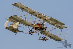 This is a replica which was built for the film those Magnificent men in their flying machines. Hermanos Wright, Aircraft Pictures, Bristol, Plane, British, Film, Model, Vintage, Aircraft