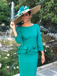 Fitness And Chicness-Look Invitada con Pamela-2 The Dress, Dress Skirt, Peplum Dress, Fast Fashion, Womens Fashion, Kentucky Derby Fashion, Derby Hats, Office Wear, Skirt Outfits