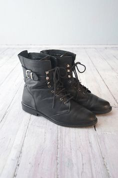 Dress Shoes, Shoes Heels, Pumps, Crazy Shoes, Me Too Shoes, Swag Style, My Style, 90s Boots, Black Lace Boots