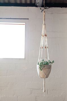 macramé hanging planter - need to make some of these.