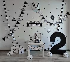 panda birthday - Lacy O. Panda Party, Panda Themed Party, Panda Birthday Party, Boy Birthday Parties, Diy Birthday, Birthday Party Decorations, Panda Decorations, Festa Party, First Birthdays