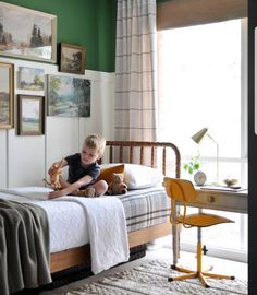 Boy's Tiny Lodge Style Bedroom Reveal! Bedroom Vintage, Vintage Room, Green Boys Room, Bedroom Green, Boys Bedroom Paint, Bedroom Decor, Teen Bedroom, Up House, New Room