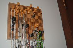 DIY Chess Board Necklace Organizer - what a clever idea!