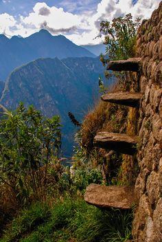 Watch your steps, Machu Picchu Perú.