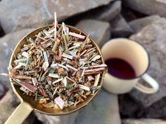 Domácí třezalkové víno a čaj proti začínající depresi Samos, Homemade, Tableware, Posts, Aromatherapy, Dinnerware, Messages, Home Made, Tablewares