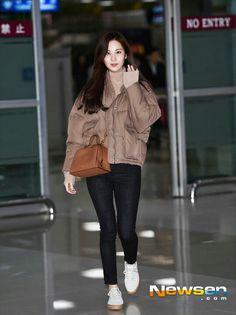 Fashion Idol, Girl Fashion, Womens Fashion, Snsd Airport Fashion, Seohyun, Airport Style, Woman Crush, Girls Generation, Casual Wear