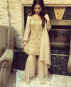 Pakistani Dresses Party, Pakistani Dress Design, Pakistani Outfits, Indian Fashion Dresses, Fashion Outfits, Gharara Designs, Bridle Dress, Designs For Dresses, Desi Clothes