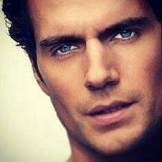 Henry Cavill, those eyes, that hair <3