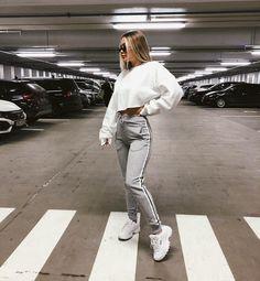 pinterest//hannahnickk Mom Jeans, Normcore