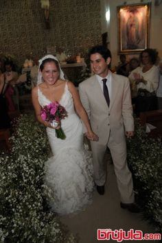 Unen sus vidas y lo celebran en el coloso de la Bonampak en un romántico ambiente con más de 300 invitados,  la Plaza de Toros de Cancún fue deliciosamente adornada con velas para recibir a los más de 300 invitados que arribaron para presenciar la boda con sabor flamenco de Regina García y Pedro Ávila.