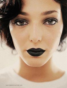 Matte Black Lipstick, LOOKS GOOD