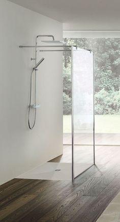 Douche ouverte à paroi stylée