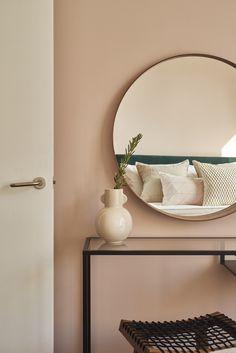 Home Office Bedroom, Teen Bedroom, Bedroom Inspo, Bedroom Ideas, Dusty Pink Bedroom, Pink Bedrooms, Pink Room, Wall Trim Molding, Bohemian Bedroom Design