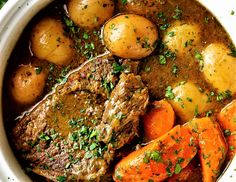 Yesss, These 17 Instant Pot Dinners Are 500 Calories or Less Pot Roast Recipes, Beef Recipes, Healthy Recipes, Healthy Foods, 500 Calorie Dinners, Balsamic Pot Roast, Slow Roast, Roast Dinner, My Best Recipe