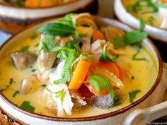 Kyllingsuppe - Hyggelig mat Hygge, Thai Red Curry, Ethnic Recipes, Food, Essen, Meals, Yemek, Eten