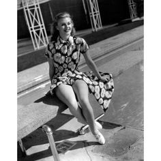 Retro and Vintage PinUp Models Photo: Ginger Rogers Star Hollywood, Old Hollywood Glamour, Golden Age Of Hollywood, Vintage Hollywood, Classic Hollywood, Glamour Hollywoodien, Vintage Glamour, Vintage Beauty, Pin Up Vintage